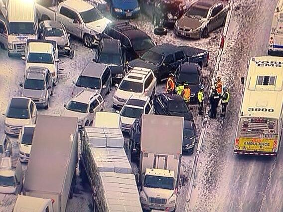 Crush of cars involved in 400 pileup @ctvnews http://t.co/idWGLZZVn7