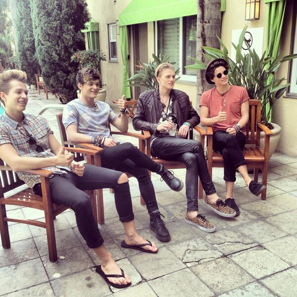 Behind the scenes of our interview with @TheVampsband!!! http://t.co/HfKuo7sEEt http://t.co/LdRYMWlNlR