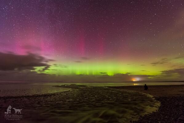 #Northernlights over #Donegal #ireland this evening IMage : Rita Wilson #Aurora http://t.co/pqvxrFViua