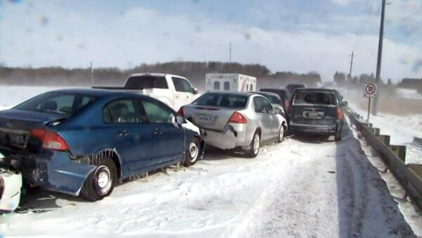 EXTENDED: Dozens of vehicles crumpled in pileup on Highway 7A near Port Perry, Ont.: http://t.co/8yrelgbrkv http://t.co/yjRJSNPyMP