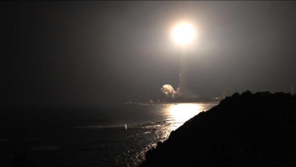 水面に映るロケットロード pic.twitter.com/uavld5jJ6N
