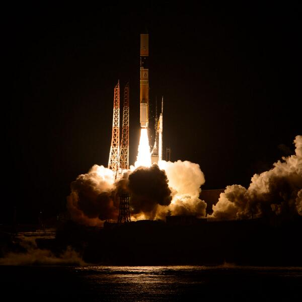 Todays 1:37pm ET launch of @NASA_Rains #GPM as captured by @NASAHQPhoto from Japan. The spacecraft is now on orbit. pic.twitter.com/gO86QFBdn8