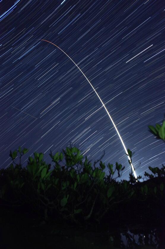 マングローブの自生地から満天の星空を駆け上がるH2Aロケット23号機。リコーGR #asahiH2A #H2AF23 pic.twitter.com/JzhEuGXtw0