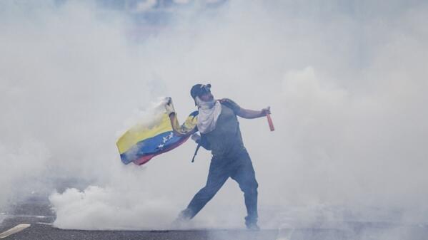 (Las Mercedes - Caracas) Foto tomada por @jbarreto1974 Como diríamos en el fútbol ¡¡Pedazo de crack!! http://t.co/nkHcjKs3fZ