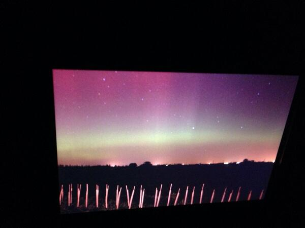 Getting some stunning images now #aurora #lincolnshire #northernlights @VirtualAstro http://t.co/zxsodKG95n