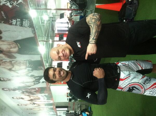 Back at work with the #1 contender @lyotomachidafw @UFCGym Torrance http://t.co/6p9StSsmfO