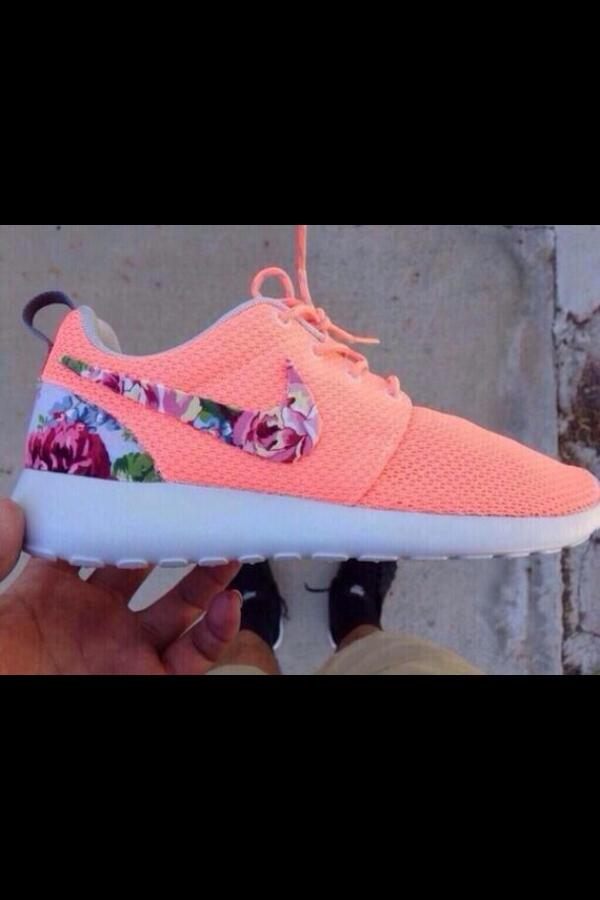 new styles 087b3 e47cf coral floral nike roshe Custom nike roshe run ...