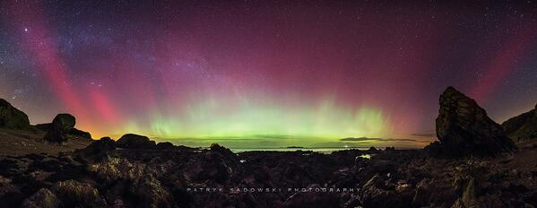 Northern lights photographed by Patryk Sadowski @ Malin Head, Ireland http://t.co/VYfER6u2Hr #aurora http://t.co/1zEc5W24c3