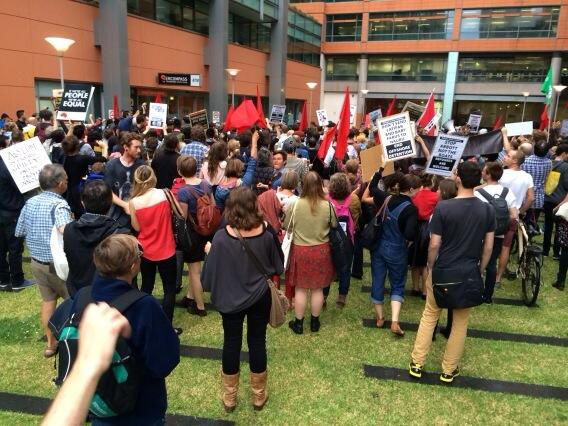 Sydney Immigration Dept office under siege by refugee protest. Close Manus Island! http://t.co/9xZqcfltF6