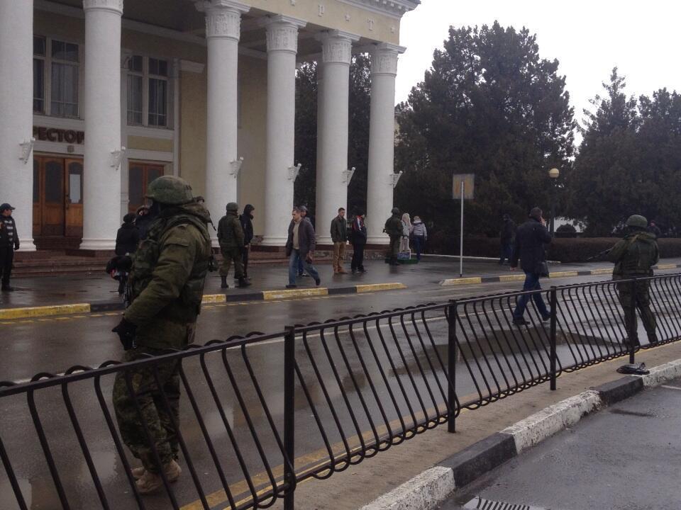 Кто захватывает Крым?
