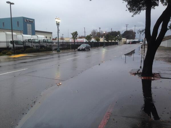 "A little flooding action outside the office. 0.47"" of rain today in Stockton, our wettest day since Nov. 20 #cawx http://t.co/AysVO070C7"