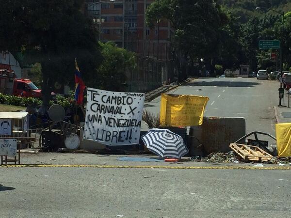 La Trinidad, Caracas 11:00am http://t.co/77Q65tqnwg