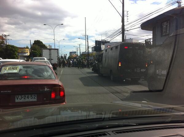 Caupolican con Aldunate parte la marche mapuche  #temuco http://t.co/ALI7SNIXSK