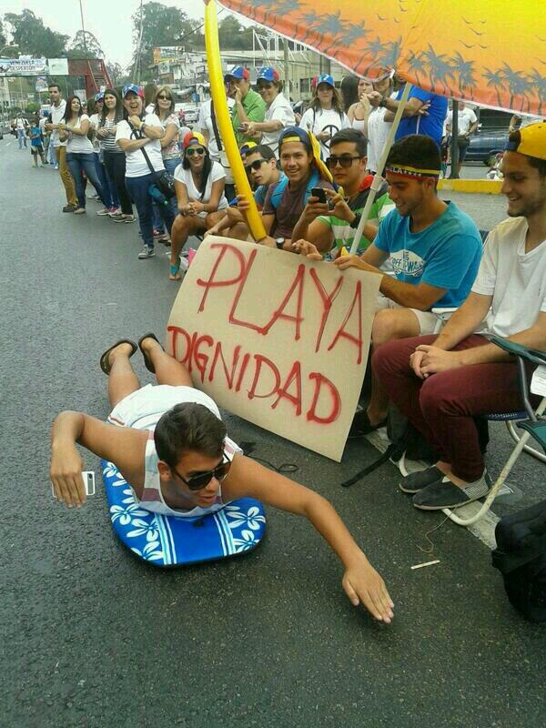 ".@joescc24 .@RicardoGZK .@josecolemora  ""@VaioRock: ¡Somos la generación Chataing! ☛ http://t.co/kG2HVKktei"""
