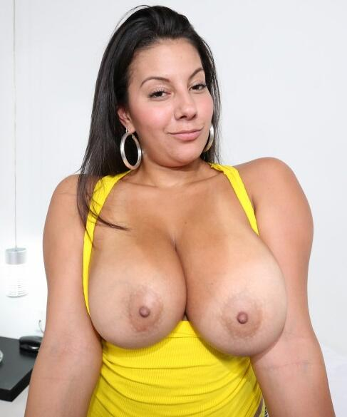 Busty looking sex toronto woman