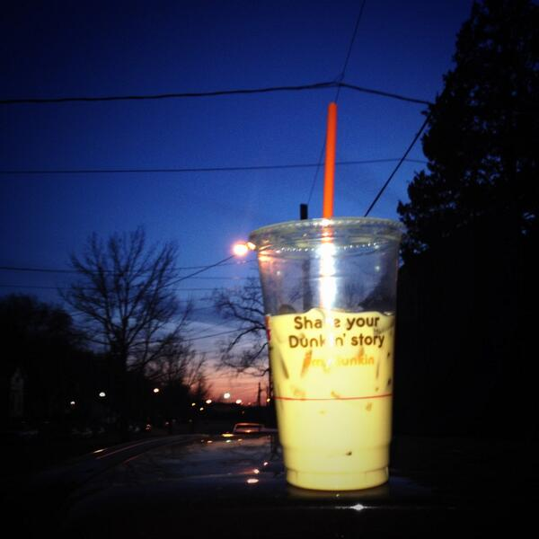 20inches of snow this weekend? Let me prepare with #mydunkin iced coffee. Cc: @JasMollica http://t.co/pDNr1wtK4q