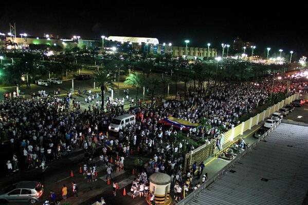 BARBARA!!!!!! Creían q Carnaval iba a dormir el ánimo,se pelaron! Imagen de la marcha de hoy en #PuertoOrdaz http://t.co/QAVyDOAPbF