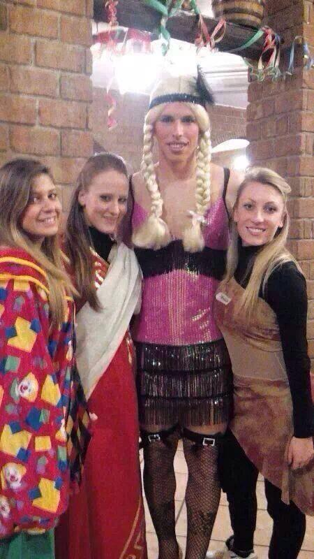 Napolis Marek Hamsik cross dressed in fishnet tights, high heels & a pink dress for Mardi Gras [Pictures]