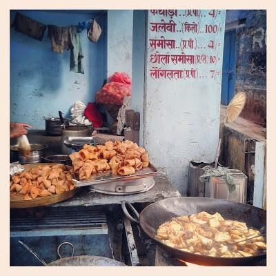 : @TravelIndiaChat #launglatta a sweet khoya delicacy found very commonly in #benares #travelindia http://t.co/HLNwptqwD1