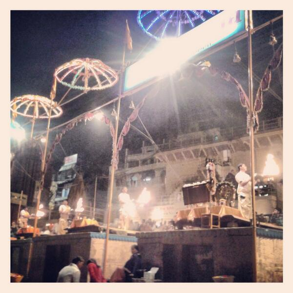 @TravelIndiaChat don't miss #ganga #arti in evenings on #ghats theatrical 2 some, I loved it. #benares #travelindia http://t.co/td1Aj288TY