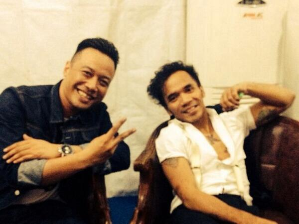 WITH MY DOG! @HERUWA backstage  Jogja ! Matur nuwun Guys!  Monggo pogOoo http://t.co/aCKYgzU4UQ