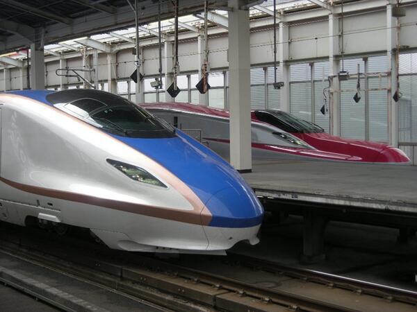 停止位置がまさかのまさかだったので、今改正の2枚看板が仙台で顔合わせる事に。 http://t.co/PhwM1Do0r0