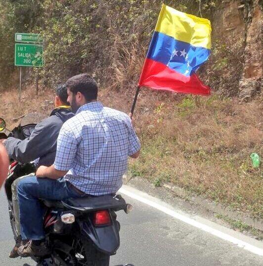 Thumbnail for Caravana rumbo a Ramo Verde en apoyo a Leopoldo López