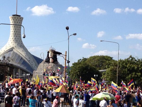 """@VzlaHerida: 3:52pmCatedral de Barquisimeto UNA VENEZUELA! #1M  http://t.co/qba7cD0aE9""@leopoldolopez @DAVID_UAH @maurovalor"