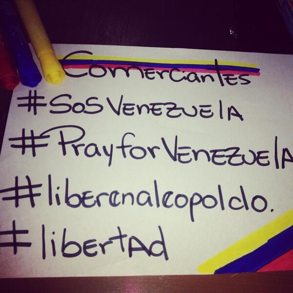 #EfectoEco #SOSVenezuela #PrayForVenezuela #1M #VenezuelaReporta #venezolanos arriba las víctimas de este 2014 héroes http://t.co/8hbpSoDm9U
