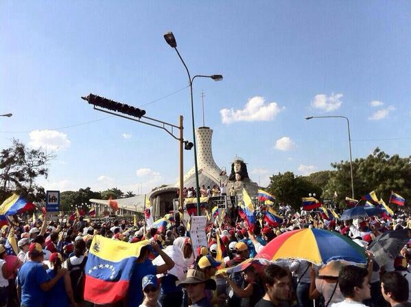 #Lara #1M #manifestantes #enlacalle http://t.co/6QOGUVokLv