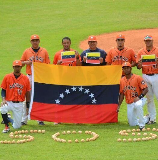 En el campamento de ligas menores de los Astros de Houston también mostró su apoyo a Venezuela! hay 7 venezolanos ahí http://t.co/iEmjN41OlE