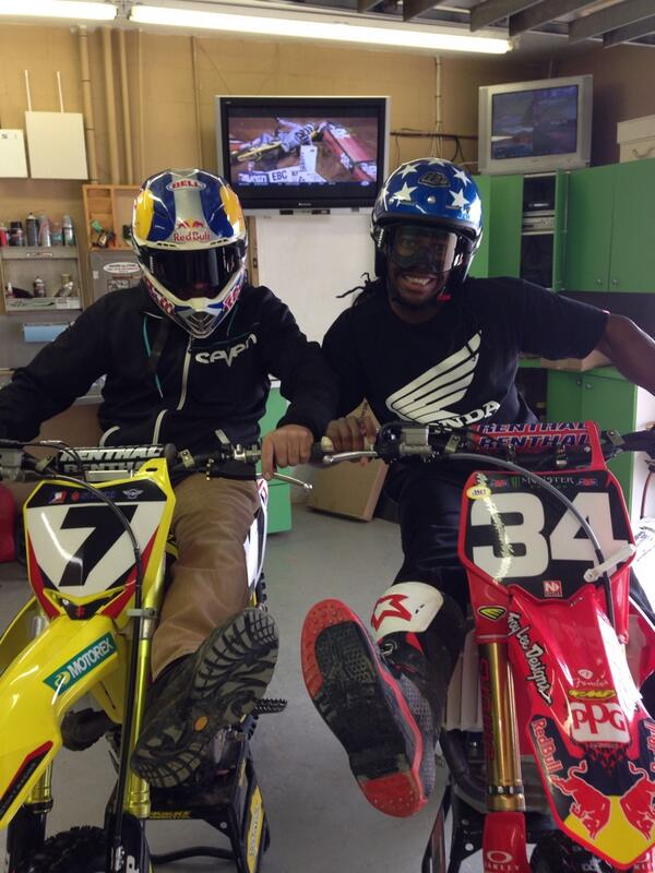 Wanna show our full support for @js7 tonight!  #SXonFOX http://t.co/OpmGhZ3MEM