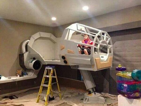 "Bit Rebels on Twitter: ""Whoa! Epic Star Wars bed in the making! # ..."