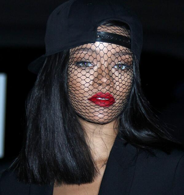 Omg yesss. RT @URihannaFansite: Rihanna at the Givenchy fashion show, beautiful! http://t.co/ot8EbeGHCr