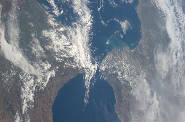 Strait of Gibraltar. pic.twitter.com/AQVarWmEK8