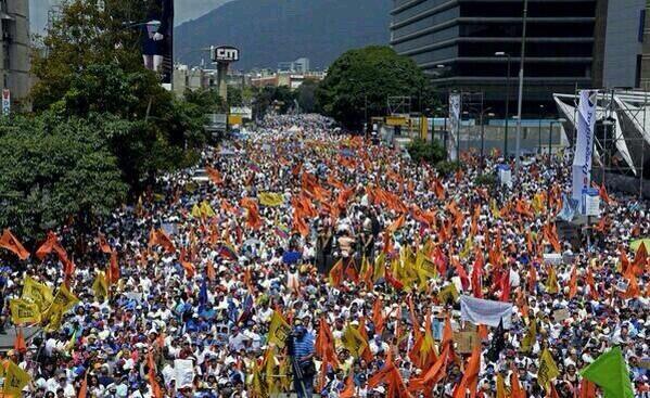 El mejor carnaval del mundo lo tiene #Venezuela http://t.co/tFYe7QVZml