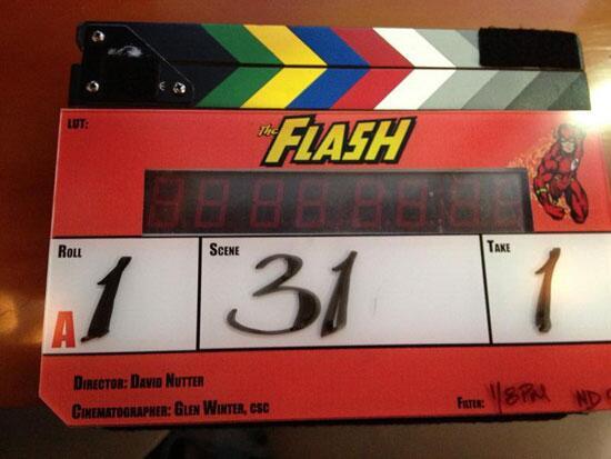 Flash la série! - Page 5 BhvkTkJCQAAXwby