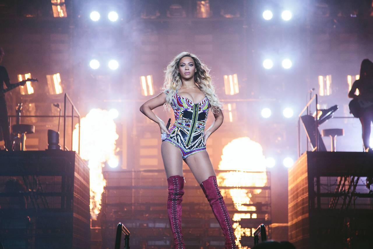 "Beyoncé > ""The Mrs. Carter Show"" World Tour [V] $189 MILLION. BIGGEST FEMALE TOUR OF THE YEAR! - Página 49 BhwNpTKCQAANOYt"