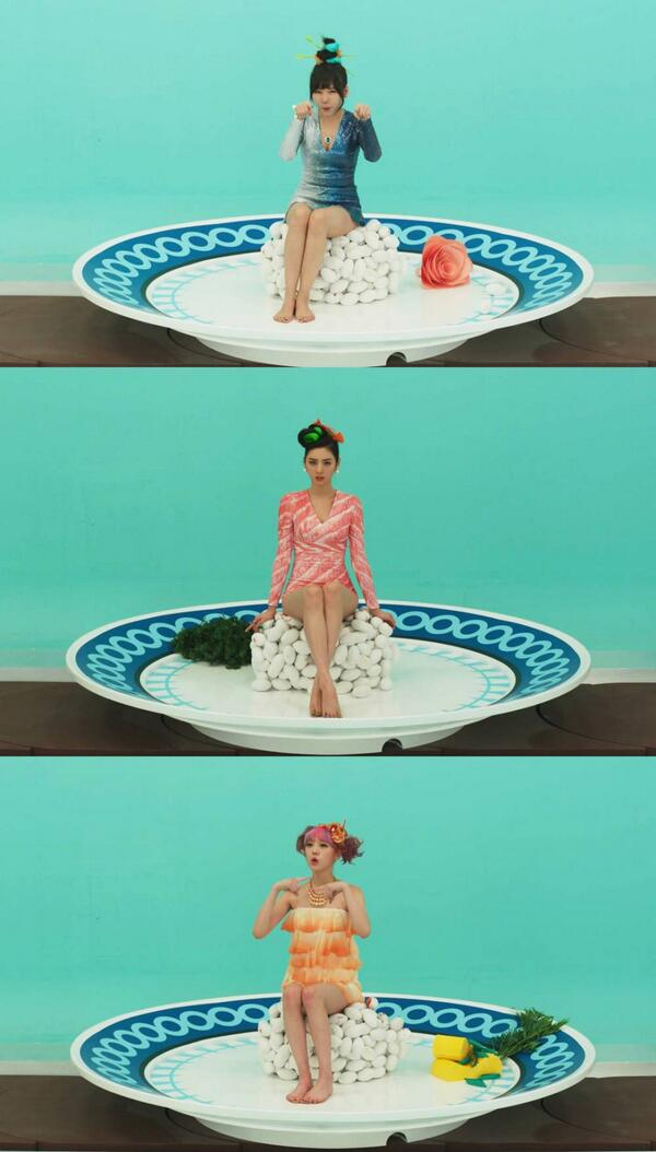 """Yum """"@afterschooldiva: Orange Caramel continues their seafood concept in new 'Catallena' teaser photo http://t.co/fnARtvI3hK"""""""