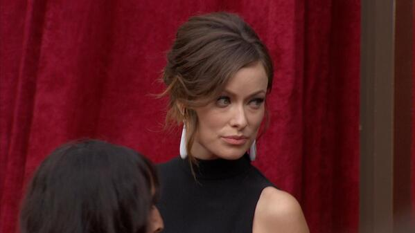 Pregnant and chic as ever! How hot is Olivia Wilde's messy updo? #WantThatHair http://t.co/l8q1XkcBO6