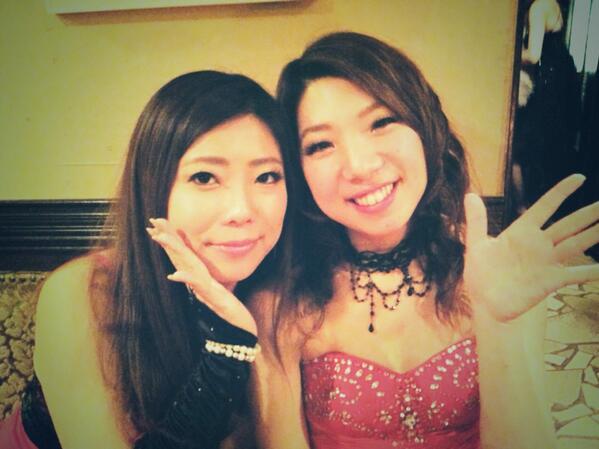 オルガがバセドウ病を患って一年。 先日の京都、今回の福岡のライブで久しぶりにフルステージ六人で歌う事が出来ました。本当に嬉しいです。 今後も様子を見ながら五人での曲やサポートを加えてのライブとなります。 皆様応援宜しくお願いします! http://t.co/yp2ZvKNm02