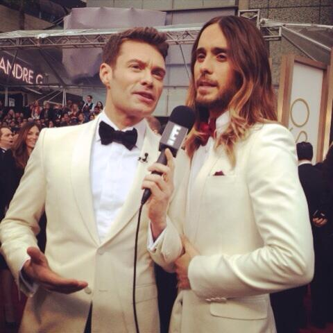 Who wore it better with @jaredleto #eredcarpet http://t.co/UHovz1WqH3