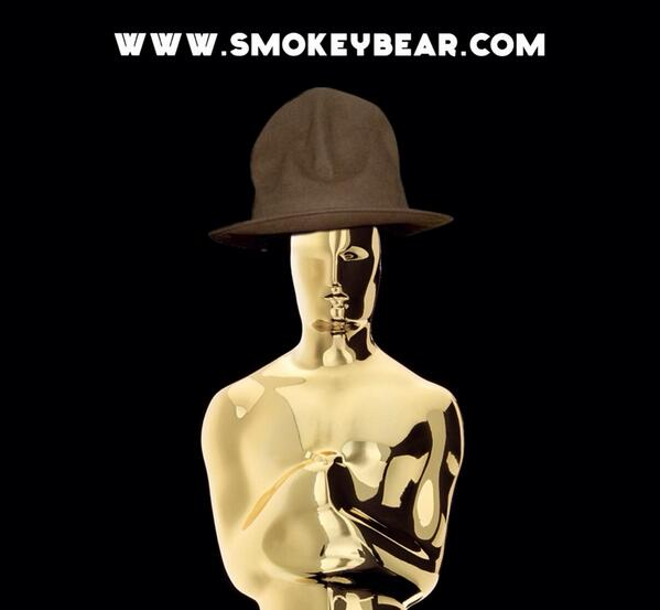 Just made my first ever #Oscars debut. Thanks again @Pharrell #hattip good luck. #happy http://t.co/Ep2Burzile