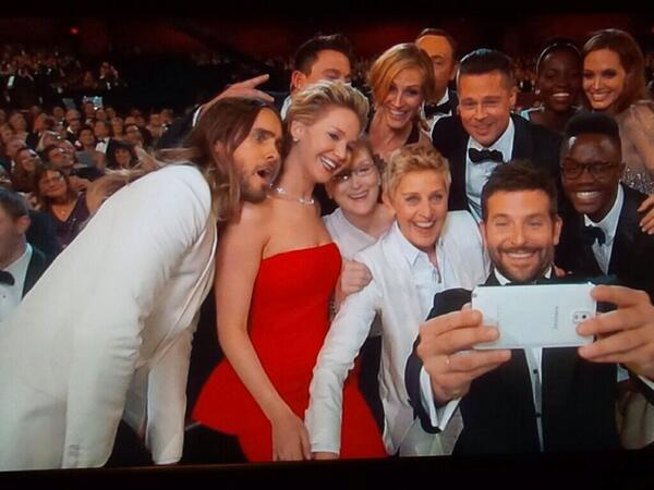 Ohhhhh I love this!! #oscars #besttweetever http://t.co/Hu0Kfozplm
