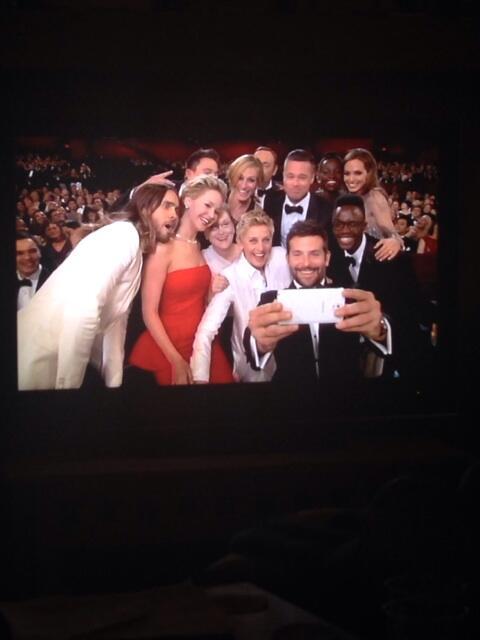 Best Oscar moment so far. http://t.co/9xqmji5GbD