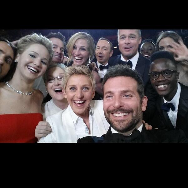 Una foto para la historia #Oscar2014 http://t.co/hAC3Sjcos9