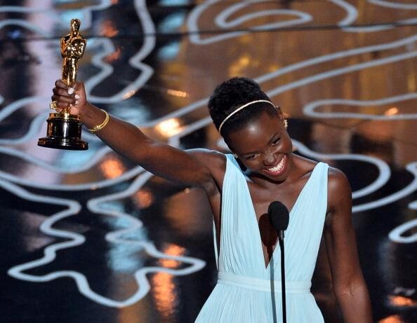 """Doesn't matter where you are from.. Your dreams are valid"" - @Lupita_Nyongo #Oscars2014 http://t.co/ObQRB8BtYf"