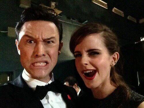 Emma Watson junto a Joseph Gordon-Levitt después de la presentación en los #OscarsEnTNT http://t.co/cvGYUp0yMf