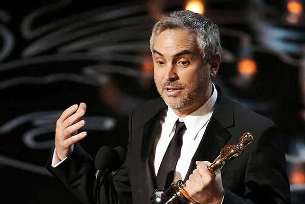 Alfonso Cuarón es el primer cineasta latinoamericano en alzarse con la estatuilla de Mejor Director #Óscar2014 http://t.co/Rp5wtABui9