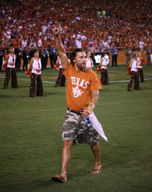 Welcome to the McConaissance! University of Texas alum Matthew @McConaughey wins the Oscar for Best Actor. http://t.co/p3FlHOOOQm